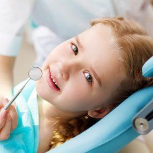 Lấy cao răng cho trẻ