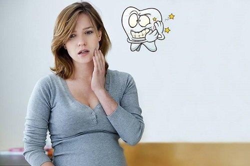 Viêm lợi trùm khi mang thai có sao không? 1