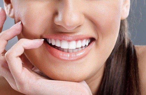 Bọc răng sứ có ảnh hưởng gì không tới quá trình ăn nhai? 2