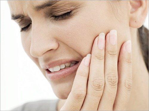 Răng sứ bị nhức vì sao bạn cần chăm sóc đúng cách? 2