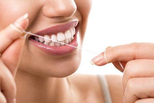 Răng sứ titan có mấy loại? Loại răng này có tốt không? 3