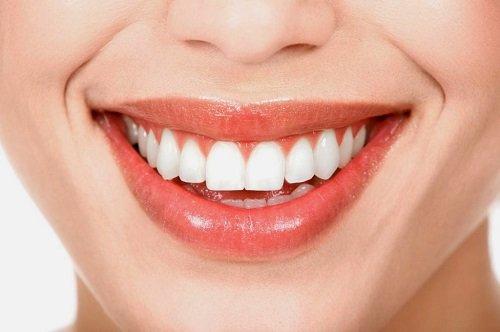 Tẩy trắng răng hút thuốc có sao không? Tìm hiểu các tác hại 2