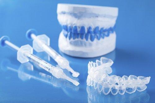 Tẩy trắng răng bằng máng có tốt không khi thực hiện tại nhà? 1