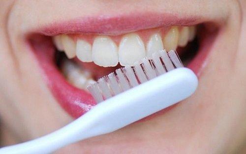 Nhổ răng khểnh giá bao nhiêu? Thông tin cần biết 3