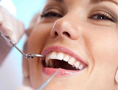 Răng khôn hàm trên mọc ngầm có nên nhổ? 1